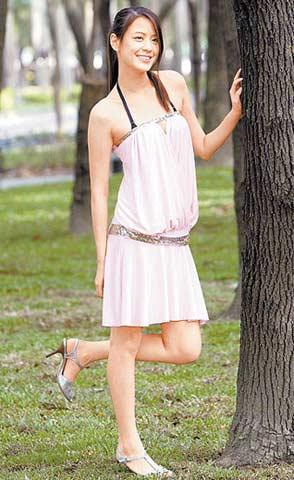 19岁的广告模特儿江语晨长相甜美、气质出众