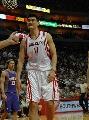 图文:[NBA]火箭VS太阳 姚明一脸坏笑