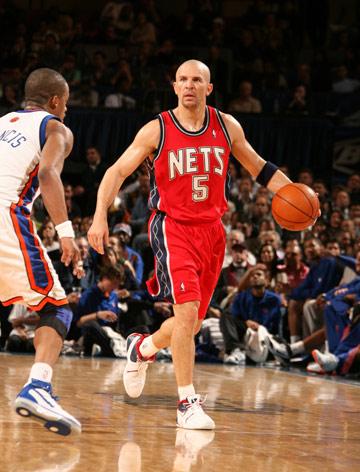 图文:[NBA]网胜尼克斯 贾森-基德场上指挥