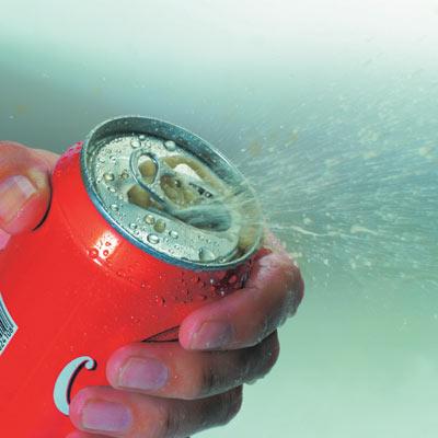 可口可乐公司董事会主席兼首席执行官聂亦德共同宣布,可口可