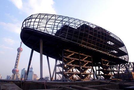 """上海港国际客运中心候船楼观光球体钢结构外观呈现""""一滴水""""状。"""
