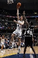 图文:[NBA]马刺负灰熊  加索尔上篮