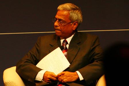 印度钦奈理工学院电气工程系教授Ashok