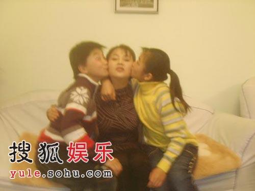 于小慧和她的双胞胎孩子