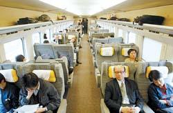 火车硬卧行李放哪里图片_k字头火车硬卧图片行李箱放哪里-K字头火车硬卧是什么样的呢 ...