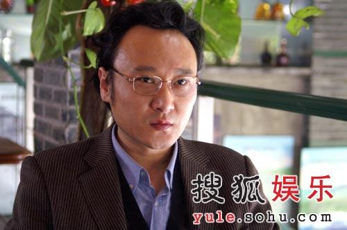 《双面胶》精彩剧照 王启东_赵寰宇饰