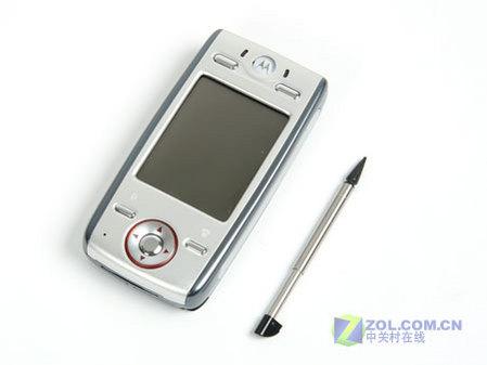 图为摩托罗拉游戏手机E680g
