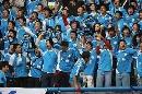 图文:大连实德2-1上海申花 蓝色激浪一片欢腾