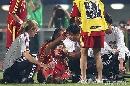 图文:[女足]中国3-2明星联队 周高萍血染沙场