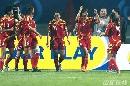 图文:[女足]中国3-2明星联队 韩端庆祝进球