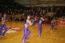图文:[WCBA]总决赛第三场 篮球宝贝热舞