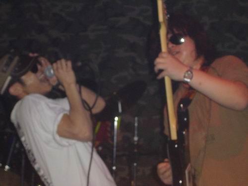 2005年12月飘乐队 合肥的石头 打入中国歌曲排行榜