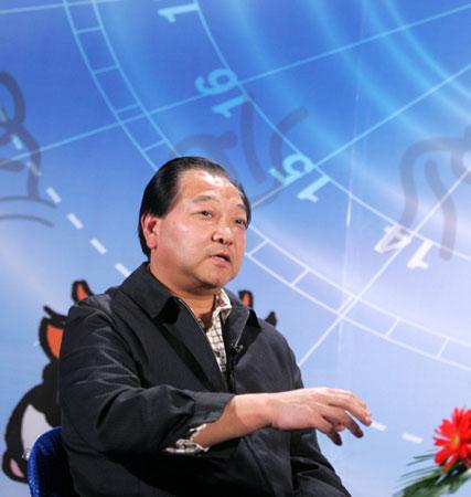 """许海峰为老山街道""""和谐社区杯""""乒乓球赛开球"""