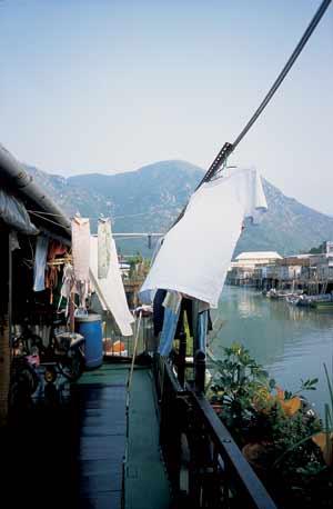 随处可见的渔村棚屋风情