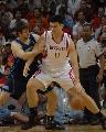 图文:[NBA]火箭VS爵士 姚明内线单打奥科