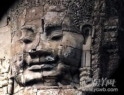 图:高棉的微笑