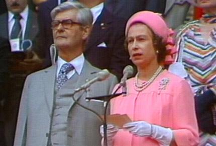 图文:1976蒙特利尔奥运会 英女王二世宣布开幕