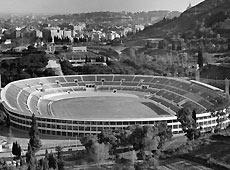 图文:1960罗马奥运火炬 罗马奥林匹克运动场