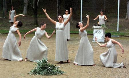 图文:2002年盐湖城冬奥会 采集仪式隆重庄严
