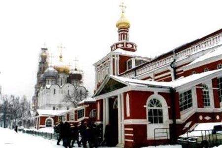 叶利钦的安息之地新处女公墓,此地埋葬了很多历史名人。
