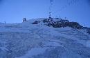 仰望铁力士雪峰山顶