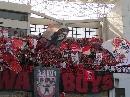 图文:[亚冠]红魔PK蓝魔 红魔的格瓦拉大旗