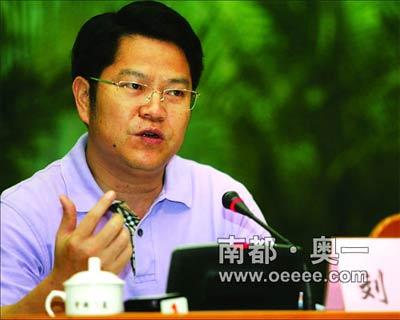 昨日,市会议大厦,全市人才工作会议,市委书记、市人大常委会主任刘志庚讲话。
