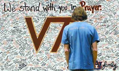 弗吉尼亚理工大学师生签名悼念受害者。
