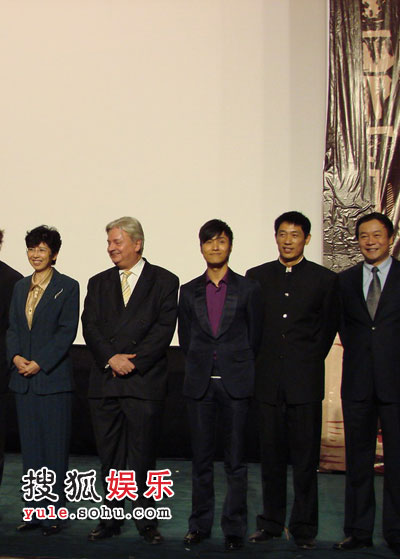 陈坤在法国影展开幕式上