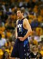 图文:[NBA]小牛VS勇士  诺维茨基表情无奈