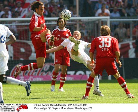 图文:[德甲]拜仁慕尼黑1-2汉堡 艺高人胆大
