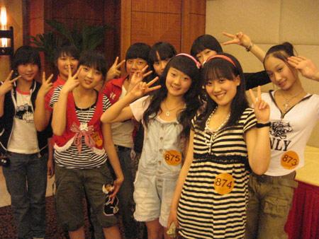 12岁可爱少女组 年少志高