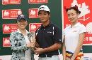 图文:北京公开赛收杆 阿冲红牛后5洞挑战赛夺冠