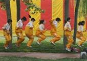 小学生集体跳绳运动