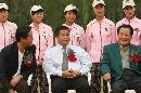 图文:北京赛结束 奇拉汉和张百发出席颁奖仪式
