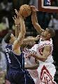 图文:[NBA]火箭vs爵士 巴蒂尔封盖德隆