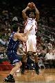 图文:[NBA]火箭胜爵士 麦迪后仰跳投