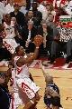 图文:[NBA]火箭胜爵士 麦迪快攻上篮