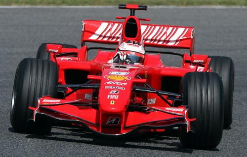 图文:[F1]西班牙测试 法拉利前定风翼巧夺天工
