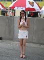 图文:中国方程式公开赛美女 冷冷的美女