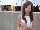 图文:中国方程式公开赛美女 时刻关注镜头