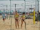 图文:沙排上海公开赛首日 女子选手身材健硕