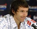 图文:[NBA]太阳胜湖人 纳什笑对采访