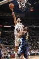 图文:[NBA]马刺胜掘金 邓肯单手上篮