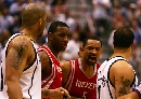 图文:[NBA]火箭vs爵士 赛场险发生冲突