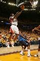 图文:[NBA]小牛不敌勇士  杰克逊上篮