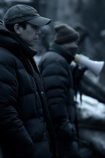 冯小刚在《集结号》拍摄现场