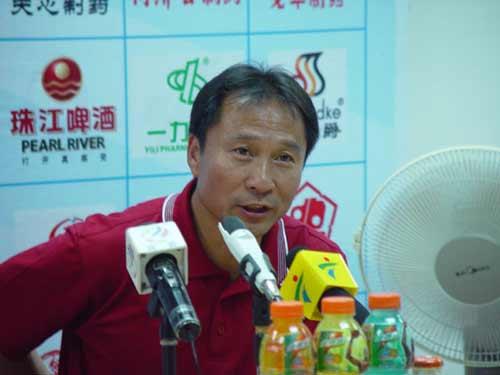 图文:[中甲]广州医药5-1南京 沈祥福点评比赛