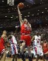 图文:[NBA]活塞VS公牛 辛里奇上篮