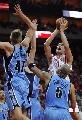 图文:[NBA]火箭vs爵士 姚明跳投出手